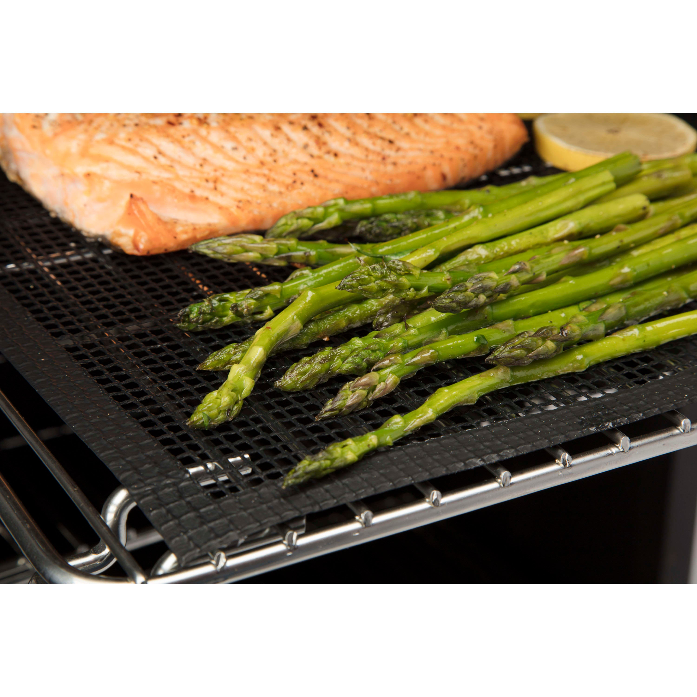 Cuisinart Smoker Mats - salmon on mat 1