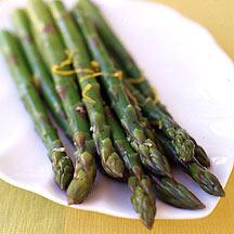 Photo of Lemon-ginger asparagus by WW