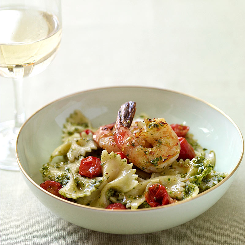 Photo of Farfalle with shrimp and pesto by WW