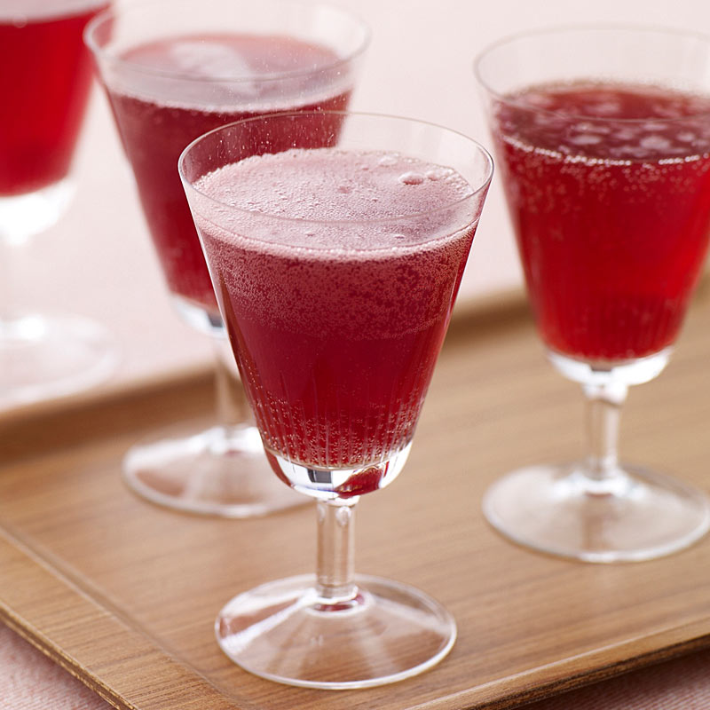 Photo of Prosecco raspberry cocktail by WW