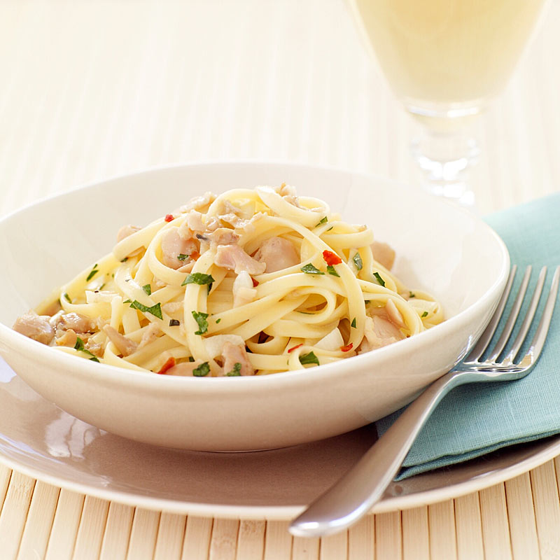 Photo of Linguini with white wine clam sauce by WW