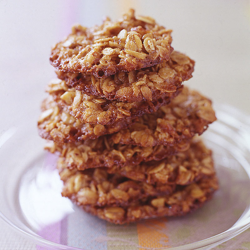 Photo of Oatmeal-pecan lace cookies by WW