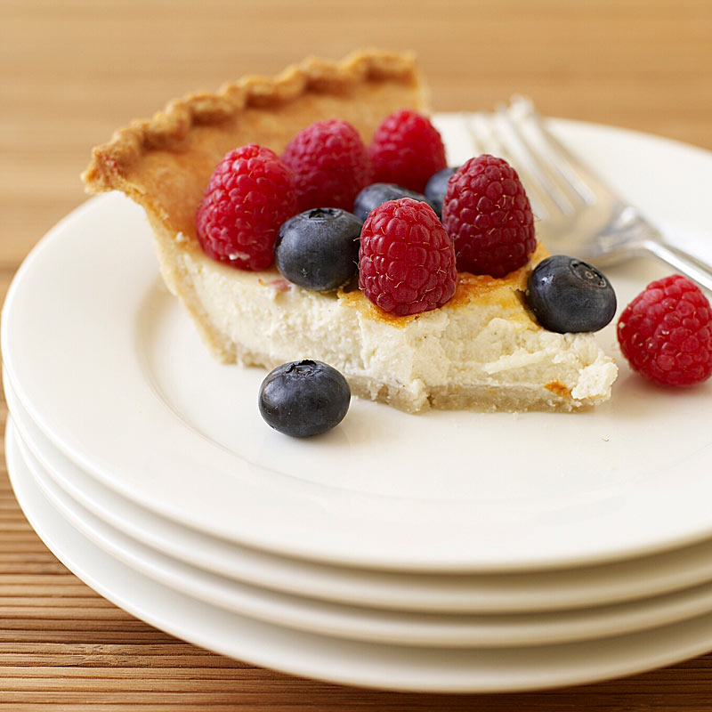 Photo of Raspberry-blueberry cheesecake pie by WW