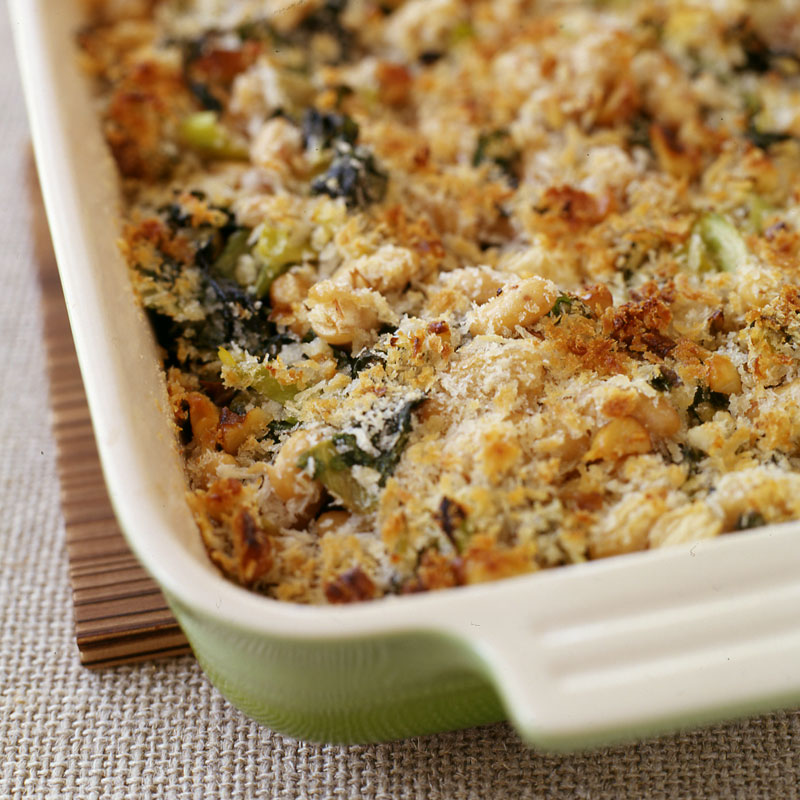 Photo of Escarole and white beans with a parmesan-nut crust by WW