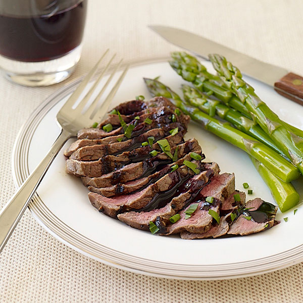 com: Weight Watchers Recipe - Filet Mignon with Red Wine Sauce