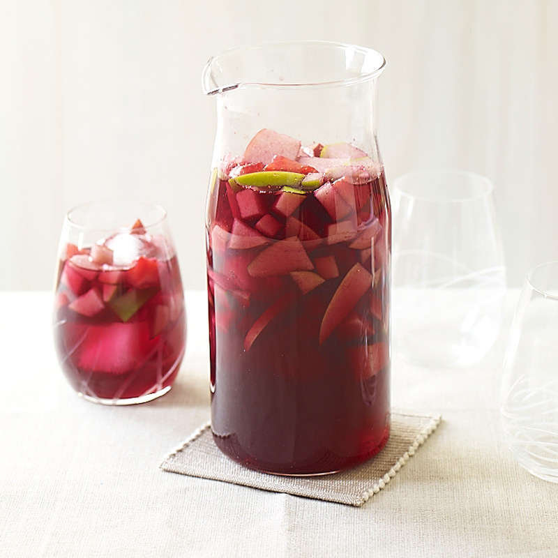Photo of Sangria with strawberries and apples by WW