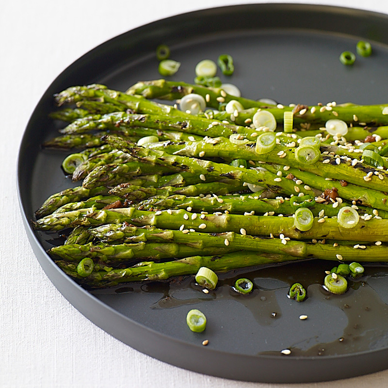 Photo of Grilled sesame asparagus by WW
