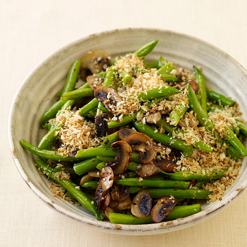 Photo of Green beans with mushrooms and crisp onion crumbs by WW