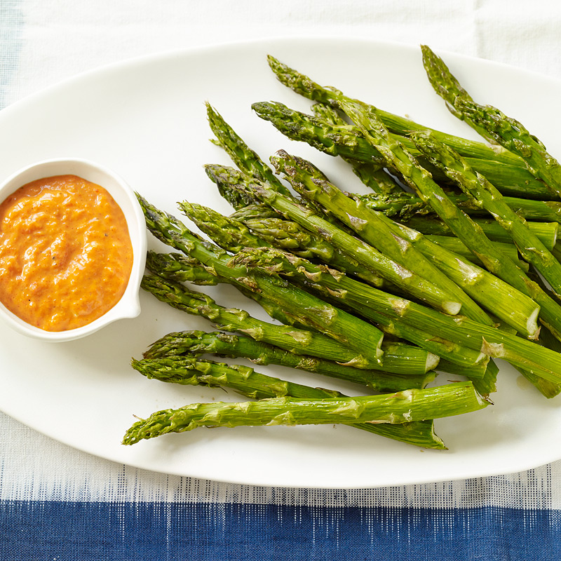 Photo of Roasted asparagus with pepper sauce by WW