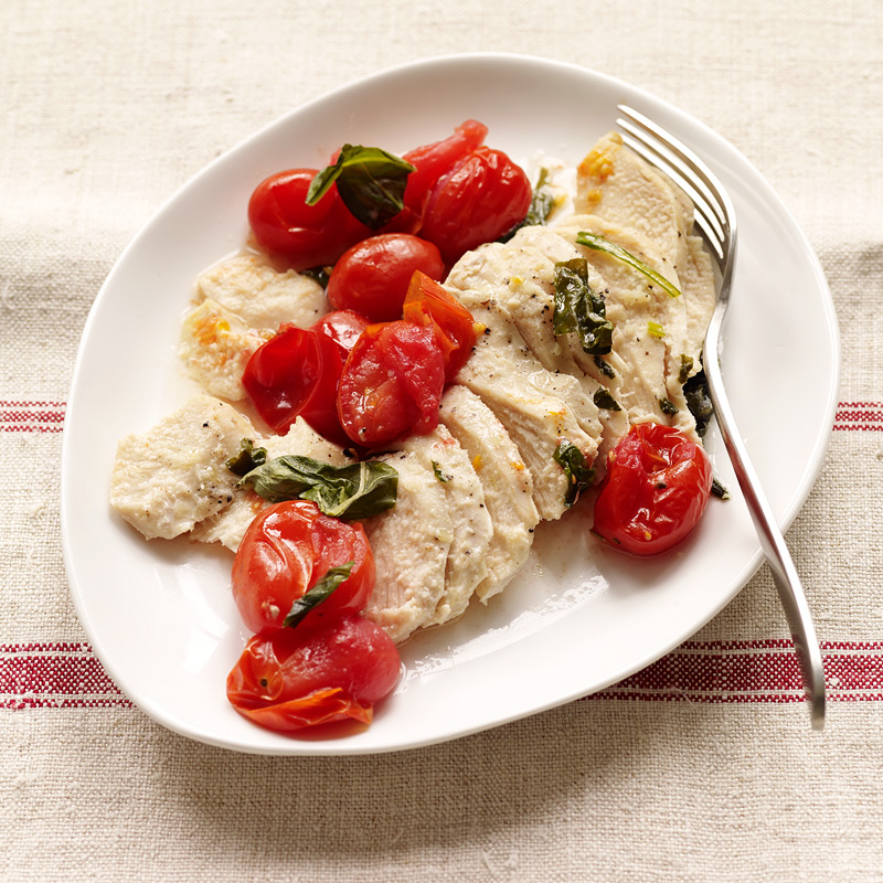 Photo of Grilled chicken, tomato & basil packets by WW
