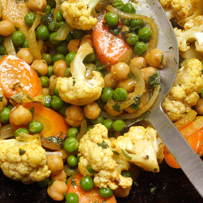 Photo of Stir-fried spicy curried vegetables with coconut milk by WW