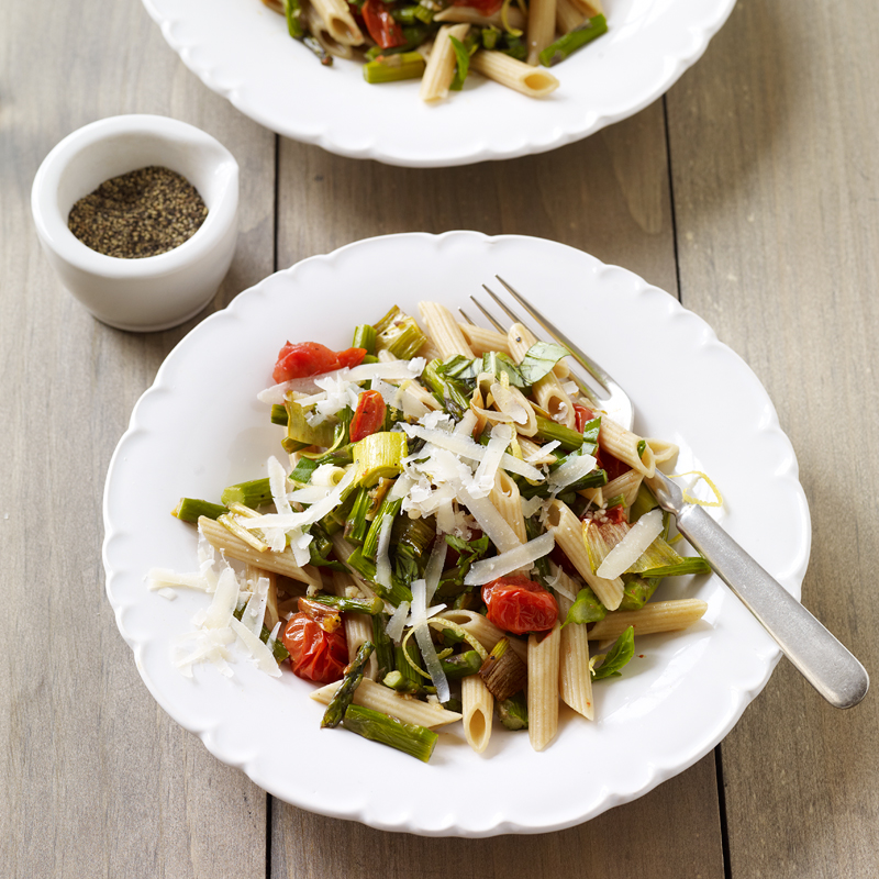 Photo of Penne with roasted tomatoes, asparagus, and leeks by WW