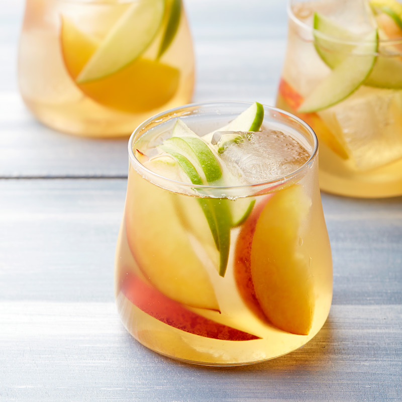 Photo of White wine and peach sangria by WW