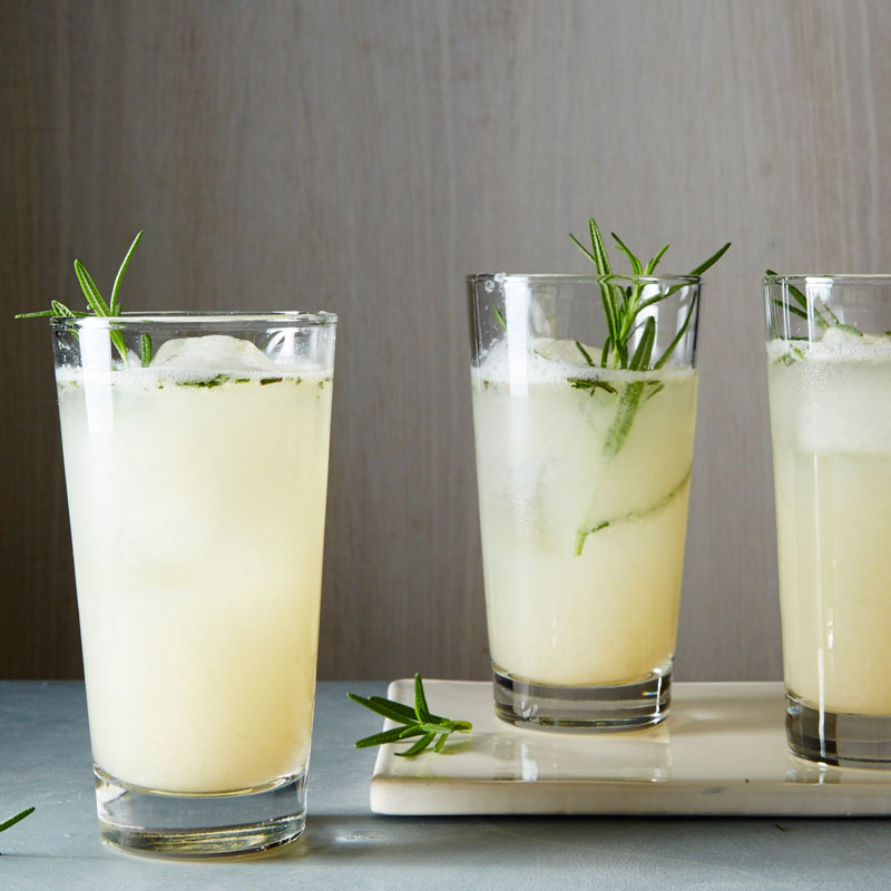 Photo of Rosemary grapefruit gin fizz by WW