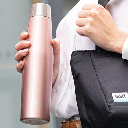 Perfect Seal Water Bottle 540ml - Rose Gold lifestyle