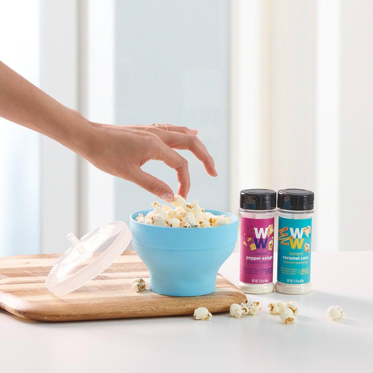 Mini Silicone Microwave Popcorn Popper - lifestyle