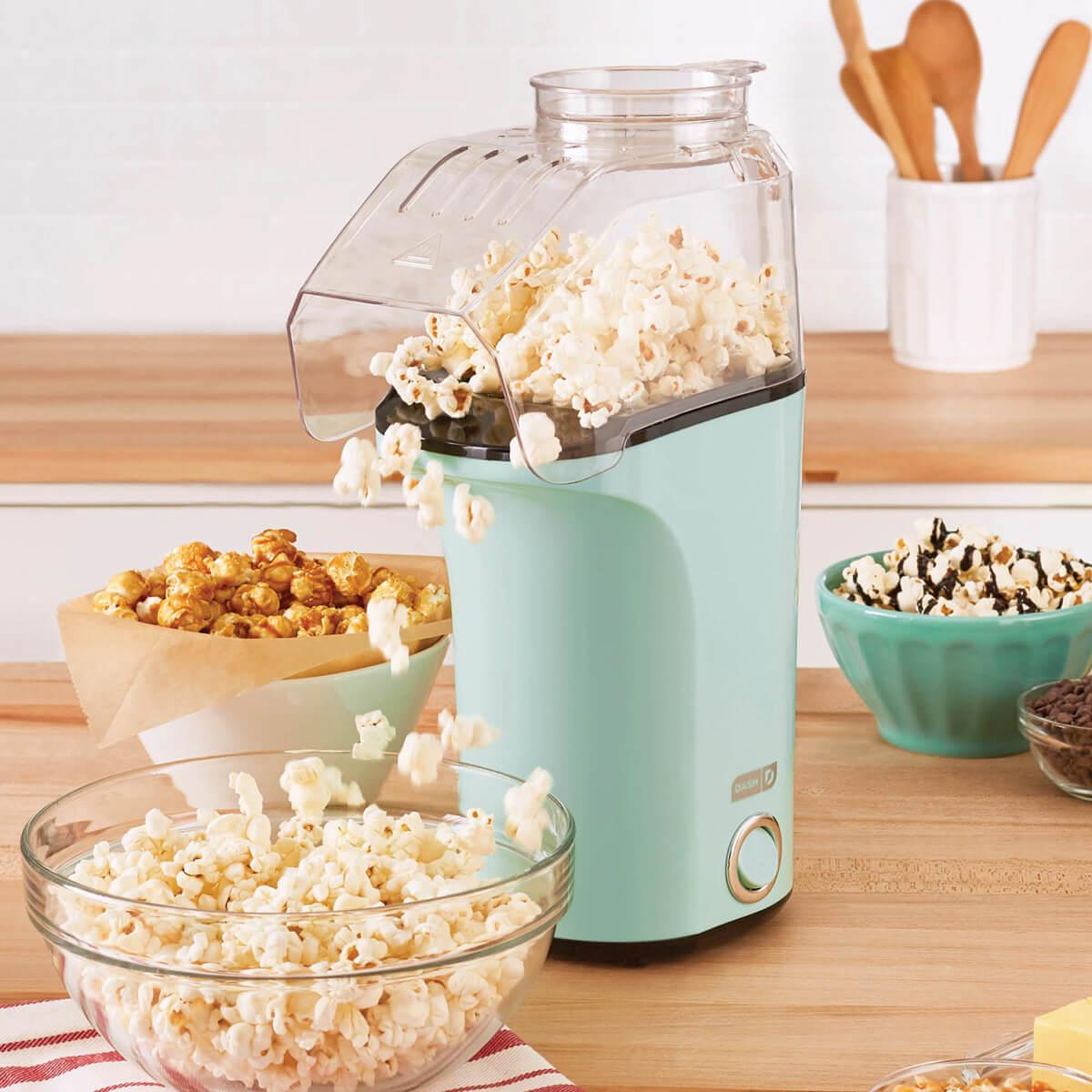 Dash Popcorn Maker - Aqua lifestyle